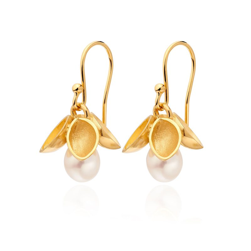 Drop White Pearl and Gold Earrings E40