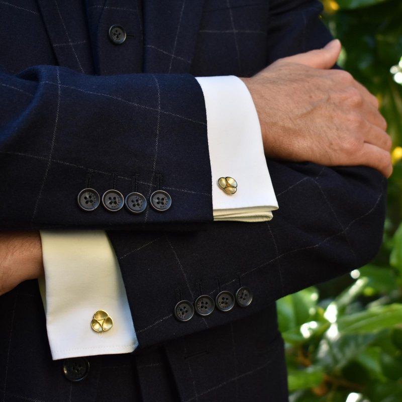 Oyster Gold Cufflinks C10 Model Shot