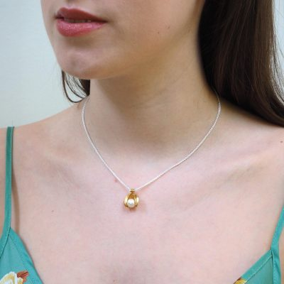 White Pearl and Gold Clam Pendant P09