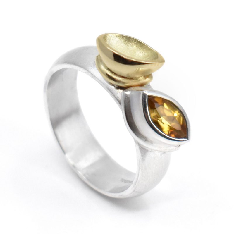 Silver ring, yellow Marquise Citrine and 18ct yellow gold